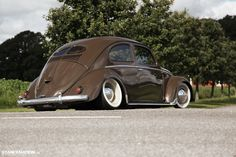 Clean & Classy // Roland's Beautiful VW Beetle. | Stance:Nation - Form > Function