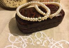 Handmade bracelet. Made of silver and pearls.