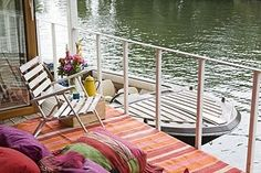 Inspiration: Living on the River Thames — Times Online UK Living On A Boat, Home And Living, Houseboat Living, House Deck, Boat House, Floating House, Tiny House Movement, Inspiration Wall, Rustic Design