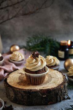 Perníkové Cupcakes so Škoricovým Krémom Cupcakes, Cupcake Cakes, Cake Recept, Valspar, Sweet Desserts, Tiramisu, Food And Drink, Cooking Recipes, Cheese