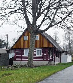 Sněžné | Chatař & Chalupář Home Fashion, Cabin, House Styles, Plants, Home Decor, Bohemia, Decoration Home, Cabins, Cottage