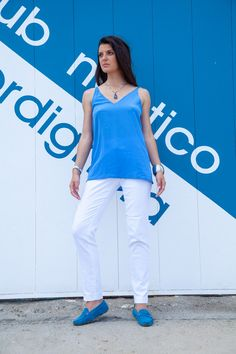 resort wear for women White Trousers, Linen Trousers, White Jeans, Resort Wear For Women, Resort Dresses, Ink Blue, Pleated Pants, A Perfect Day, Silk Crepe