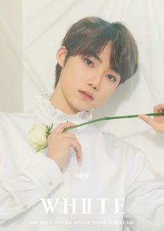 THE BOYZ dévoile de nouvelles photos teasers individuelles pour « WHITE New Boyz, Stray Kids Seungmin, Free Therapy, Poses, White Aesthetic, New Artists, K Idols, Teaser, Photo Cards