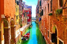 One Day In Venice, Italy. A wonderful guide to walking around Venice.