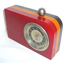 The Bakelite Museum Clock Vintage, Antique Clocks, Art Nouveau, Poste Radio, Art Deco Design, Design Design, Retro Radios, Cool Clocks, Plastic Jewelry