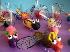Art For Kids, Crafts For Kids, Arts And Crafts, 2nd Grade Art, Bug Art, Insect Art, Art Lessons Elementary, Chenille, Cardboard Sculpture