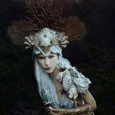 VIEW ALL: http://bit.ly/1iIpfEh Photographer:... - Dark Beauty
