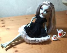 """And again we are going with the """"Gothic Lolita""""-inspired theme. I really have to find some new inspirations ;) If you have knitted e.g. the short sleeved basic dress or the lacy summer dress, you w..."""