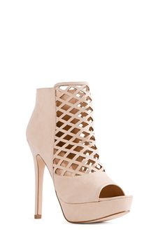 We can't get enough caging! Minna features a sexy lattice-like design. l JustFab  Perfect nude for summer!  #JustFabSweeps