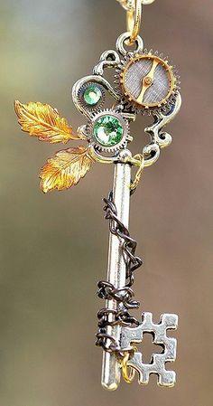 Key Jewelry, Cute Jewelry, Jewelry Making, Jewellery, Style Steampunk, Steampunk Fashion, Steam Punk Jewelry, Steam Punk Art, Key To My Heart