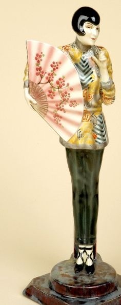 This stunning piece tickles my fancy! I would love to own it! [Art Deco Keramik - Goldscheider Wien]