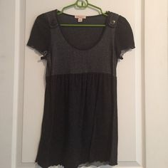 Glory grey top Flowy grey top with button embellishment at top of shoulders Lux Tops Tees - Short Sleeve