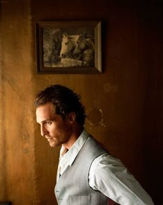 Love the lighting on this portrait of Matthew McConaughey by Eric Ogden Matthew Mcconaughey, Pretty People, Beautiful People, Photo Star, Le Male, Hollywood, Celebrity Portraits, Raining Men, Livingston