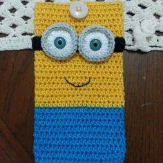 Crochet minion phone cover