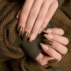 What you need to know about acrylic nails - My Nails Green Nails, Pink Nails, My Nails, Kaki Nails, Indigo Nails, Nails Only, Round Nails, Pin On, Gel Nail Designs