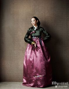 History of Beauty - Hanbok. Korean Traditional Dress, Traditional Fashion, Traditional Dresses, Korean Dress, Korean Outfits, Korean Fashion Trends, Asian Fashion, Modern Hanbok, Vogue Korea