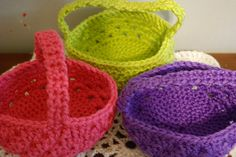 Free Crochet Pattern: Last Minute Basket by Jennifer Pollock    I made this easy and fun basket in about 2 hours with just 1 skein of yarn. =)