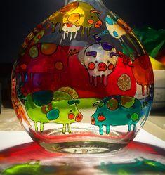 "Andreea Opris on Instagram: ""#piggylamp #piggylamp🐷 #glasspainting #windowcolor #windowcolour"" Christmas Bulbs, Windows, Holiday Decor, Painting, Color, Instagram, Home Decor, Decoration Home, Christmas Light Bulbs"