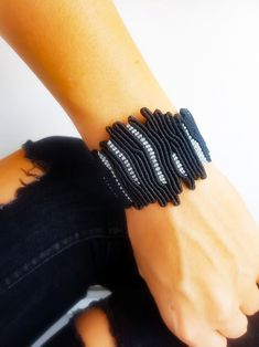 Jewelry OFF! Black Coral design jewelryMacrame jewelryAdjustableWide macrameOne of a kind coral macrameKnotted wide banglesilver waxed thread Macrame Art, Micro Macrame, Macrame Jewelry, Macrame Bracelets, Men's Jewelry, Fashion Jewelry, Jewellery Making Courses, Coral Design, Diy Design