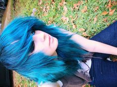 Man, I love it when people can pull off blue hair...I can't even pull off black hair...