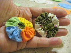 Fuxico trançado 4 cores - passo a passo | Fabric braided yo-yo 4 colors - step by step