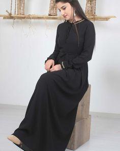 ئێستابەردەستە⚘بابةتي نوي لة پۆشاکی احسان⚘ 🌷كاتةكاني دوكان 🌷 🌹كات ٩ بةياني تاكو١٢ نيورؤ🌹 🌹٢دواي نيورؤ تاكو ١٠ شةو🌹 گةياندمان هةية 🚗🚗 🌹بۆ فرۆشتنی هەموو جۆرە پۆشاکی  ئافرەتان 🌹 📍ناونیشان : هەولێر ، گەڕەكی نەورۆز ، نزیك زانكۆی جیهان📍 📞07508615232 📞07504615232 erbil  iraq  fashion  zaxo  duhok  sulaymaniyah  kirkuk  kurdistan  kurdish  culture  best  fashiondesigner  kurdishgirl  dresses  dress  girls  kurdishwedding  kurdishclothes  kurdstyle  kurdishdress  kurdishbeauty  kurdishsone a Kurdistan, Product Description, Girls Dresses, High Neck Dress, Culture, Fashion Design, Dresses Of Girls, Turtleneck Dress, High Neckline Dress