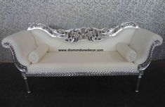Antique Sofa in Your Living Room - Uncinetto Unique Furniture, Home Decor Furniture, Sofa Furniture, Shabby Chic Furniture, Luxury Furniture, Vintage Furniture, Home Furnishings, Furniture Stores, Furniture Removal