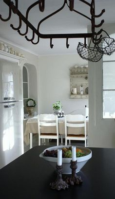 Love the pot rack!