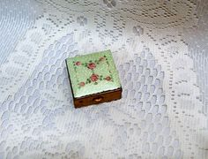 Antique Small Snuff Box Pill Box Green Enamel by EvelynnsAlcove