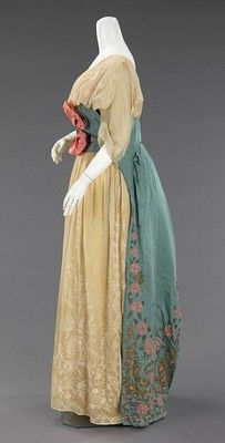 side - Paquin evening dress 1912 --- so retro to Regency