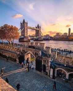 Tower Bridge & Tower Hamlets - London, England