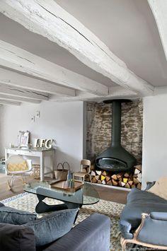Oh la bonne idée à piquer :  les buches colorées ! Une ancienne maison de pêcheurs - Lili in wonderland