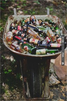 beer bin and drink ideas | CHECK OUT MORE IDEAS AT WEDDINGPINS.NET | #weddingfood #weddingdrinks
