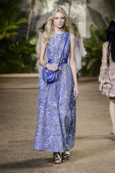 All the Looks From the Elie Saab Spring/Summer 2016 Haute Couture Show