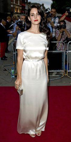 """Lana Del Rey, czyli """"Kobieta Roku"""" magazynu GQ w sukni Wayne'a Coopera (fot. Bulls)"""