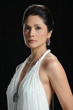 Agot Isidro Filipina Actress, Filipina Beauty, Philippine Women, Most Beautiful, Beautiful Women, Aging Gracefully, Filipino, Fashion Beauty, Glamour
