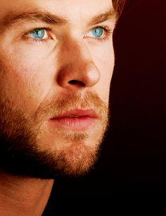 Chris and Liam Hemsworth. Well done, Hemsworth parents, well done. Chris Hemsworth Thor, Beautiful Eyes, Gorgeous Men, Hello Gorgeous, Star Treck, Pretty People, Beautiful People, Hemsworth Brothers, Blue Eyed Men