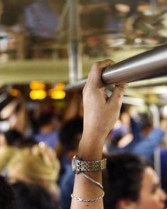 A mão que balança o berço..      #people #subway #watch #metro #watches #streetphoto #watchesofinstagram #watchporn #watchoftheday #watchaddict #timepiece #watchfam #horology #instawatch #wristwatch #mta #wristporn #dailywatch #rolex #watchgeek #watchnerd #womw #wristgame #watchcollector #watchanish #underground #watchmania #luxurywatch #wristshot #subte