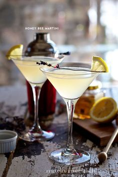 Honey Bee Martini from Family Fresh Cooking, and 6 other delicious skinny cocktail recipes Martini Recipes, Cocktail Recipes, Refreshing Drinks, Yummy Drinks, Cocktail Drinks, Alcoholic Drinks, Beverages, Summer Cocktails, Tea Drinks