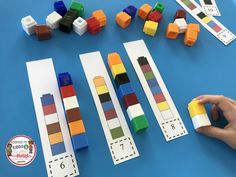 Students can do this activity individually or in small groups to work on patterns, matching, and counting objects. Kindergarten Curriculum Map, Kindergarten Freebies, Numbers Kindergarten, Numbers Preschool, Preschool Math, Kindergarten Assessment, Common Core Preschool, Common Core Math, Interactive Math Journals