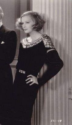 The Golden Year Collection — Greta Gar. Old Hollywood Stars, Old Hollywood Glamour, Hollywood Actor, Golden Age Of Hollywood, Vintage Hollywood, Classic Hollywood, Divas, Hollywood Heroines, Hollywood Actresses