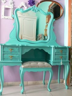 paint a girly vanity a funky colour! I want this for Jaceys room 💜 Furniture Makeover, Diy Furniture, Furniture Design, Girls Bedroom, Bedroom Decor, Bedroom Ideas, Bedrooms, Big Girl Rooms, Home And Deco