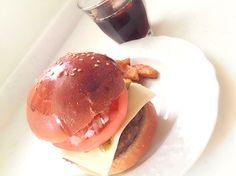 モスチーズバーガーが食べたい気分( •ॢ◡-ॢ)-♡ この間の残ったバンズで作ってみました - 65件のもぐもぐ - M○'sチーズバーガーでランチ(*^_^*) by mitchyz