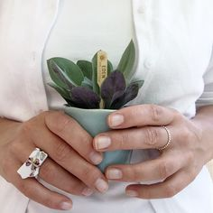 Floral ring made of porcelain, a beauty!