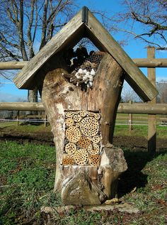 Wildbienenhotel by schmutzli52, via Flickr
