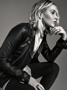 Dior's New Perfume Mixes Rose Notes With Jennifer Lawrence's Cool-Girl Charm Le Style Jennifer Lawrence, Jennifer Lawrence Photoshoot, Jenifer Lawrens, Christian Dior, Sara Foster, Emma Summerton, Portrait Studio, Shotting Photo, Beautiful Celebrities