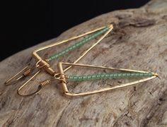 Gold Icicle Gemstone Earrings. Geometric por cristysjewelry en Etsy