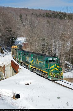 RailPictures.Net Photo: GMRC 304 Green Mountain Railroad EMD GP40-2 at Ludlow, Vermont by Paolo Roffo