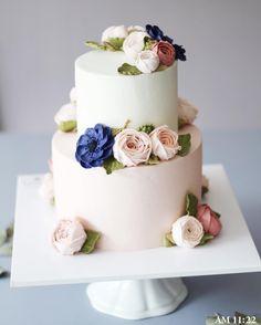 #flowercake #buttercream #wiltoncake #buttercreamcake #wilton #am1122cake #florist #buttercreamflowercake #foodporn #specialcake #butter #鲜花蛋糕 #フラワーケーキ#カップケーキ #koreanflowercake #cake #wedding #instacake #버터크림 #플라워케이크 #꽃케이크 #플라워케익 #금혼식 #생신케이크 #플라워케이크클래스 #버터크림케이크 #2단케이크 #환갑 #칠순케이크 #웨딩케이크 _ www.am1122cake.com pandasm1122@naver.com✔️