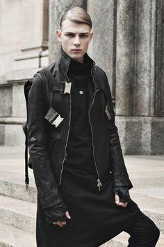 "cruvoirdotcom: "" CRU VOIR • Autumn Winter 2014 • Obscur, Lost & Found Ria Dunn, Cedric Jacuemyn • Photo, Gautier Pellegrin • Styling, Anca Macavei • Makeup Rocco Santamorena • Location, Milan • Model,..."